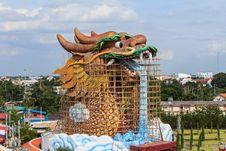 Free Repair Of Giant Golden Chinese Dragon At Suphanburi,Thailand. Stock Photo - 31060950