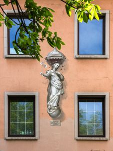 Free Fresco On A Wall In Wurzburg, Germany. Stock Image - 31061831