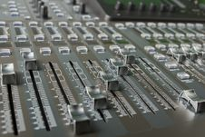 Free The Digital Audio Mixing Console Royalty Free Stock Images - 31066199