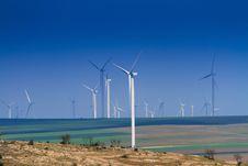 Free Wind Turbines Stock Image - 31075561