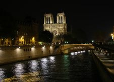Free Notre Dame Stock Photo - 3113200