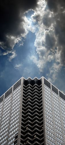 Free Office Building And Clouds Royalty Free Stock Photo - 3118195