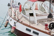 Free Cruising Yacht At The Marina Royalty Free Stock Image - 31100316