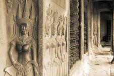 Free Apsara, Angkor Wat Royalty Free Stock Image - 31128506