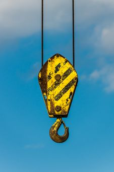 Free Yellow Crane Hook Stock Photo - 31149480