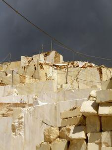 Free White Quarry Marble Royalty Free Stock Photo - 31153875