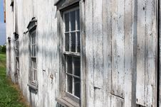 Free Side View Of Old Weathered Gray Barn Royalty Free Stock Photos - 31163348