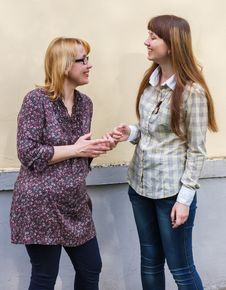 Free Mother Talks To The Daughter Stock Image - 31175491