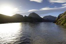Free Beautiful Lake Royalty Free Stock Photos - 3125898