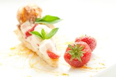 Free Classical Dessert With Strawberry And Mint Stock Photo - 31212140