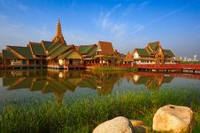 Free The Thailand Style Buildings Of Water  S Edge Royalty Free Stock Image - 31221926