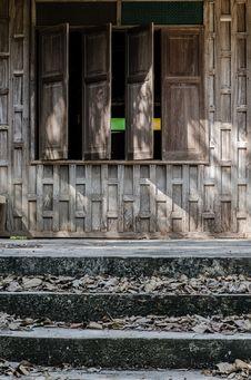 Free Wood Window Stock Photography - 31241862