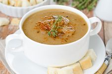 Free Mushroom Soup With Thyme And Croutons Horizontal Close-up Royalty Free Stock Image - 31262386