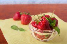 Free Strawberries In A Vase Stock Image - 31264291