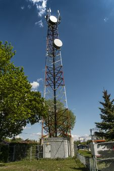 Free Complete Communication Tower Royalty Free Stock Image - 31278376