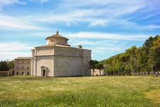 Free Macereto Sanctuary In Italy Stock Photo - 31282450