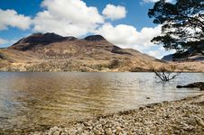 Free Slioch And Loch Maree Royalty Free Stock Images - 31290779