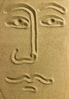 Free Draw Face On Sand Stock Photography - 31294122