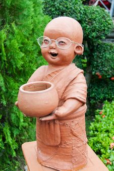 Free Clay Doll  Monk Royalty Free Stock Photo - 31296175