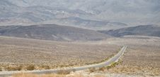 Free American Road In Death Valley Royalty Free Stock Photo - 31297125