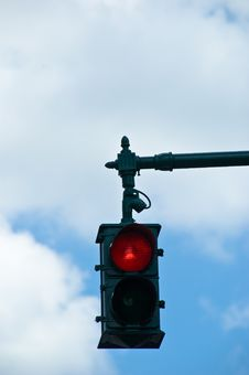 Free Overhead Stop Light Against SK Royalty Free Stock Images - 3132829