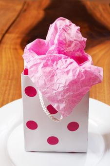 Free Pink Polka-dot Gift Bag Stock Images - 3133744