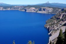 Free View Of Crater Lake Royalty Free Stock Images - 3136939