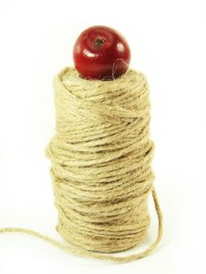 Free Red Apple And String Royalty Free Stock Image - 3138736
