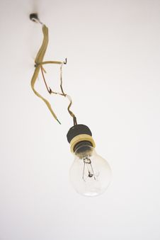 Free Old Fashioned Lightbulb Stock Image - 3139671