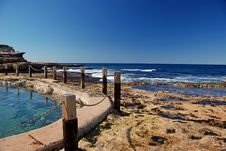Ocean Pool In Rocky Shore Royalty Free Stock Photography