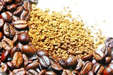 Free Coffee Beans And Instant Coffee Royalty Free Stock Photography - 31324107