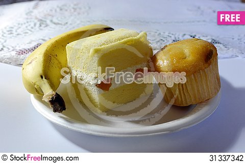 Free Bananas And Cakes Stock Photography - 31337342