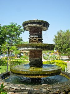 Fountain In Park Royalty Free Stock Image