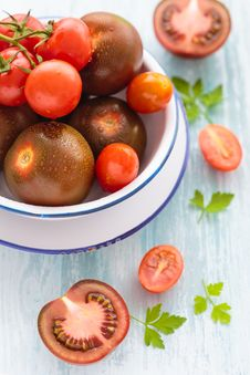 Free Three Varieties Of Tomato In A Dish Stock Images - 31351154