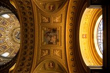 Free Interior Of Saint Stephen Basilica, Budapest Royalty Free Stock Photo - 31369415