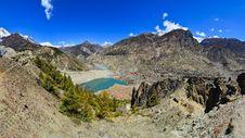 Free Himalayas Mountain Range Panorama With Village Royalty Free Stock Images - 31398529