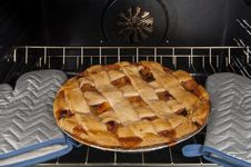 Apple Pie In Convection Oven Royalty Free Stock Photos
