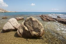 Free Stony Beach Royalty Free Stock Photos - 3141808