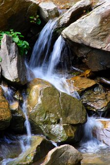 Free Small Waterfall Royalty Free Stock Photos - 3142188