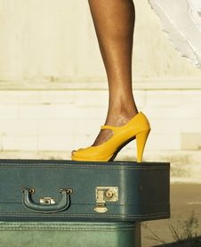 Free Leg And Shoe On A Suitcase Stock Photography - 3147562
