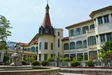 Free A Building In Phyathai Castle &x28;outside&x29; Stock Photography - 31404042