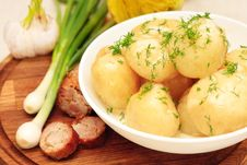 Free Boiled Potatoes With Fresh Herbs Royalty Free Stock Photo - 31406215