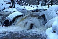 Free Falls In The Winter. Royalty Free Stock Photo - 31412385