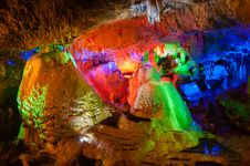 Free The Colorful Water-eroded Cave Royalty Free Stock Photography - 31421387