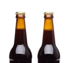 Free Two Bottles Of Beer On White Background. Stock Photography - 31427562