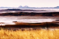 Free Scenery - Misty Dawn On The Mountain Royalty Free Stock Photography - 31427877