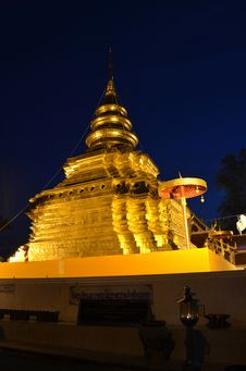 Free Phra That Sri Jom Thong Before Sunrise, Series 1_2, Golden Pagoda Royalty Free Stock Images - 31450379