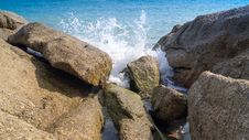 Free The Waves Break On The Rocks Stock Photography - 31451702
