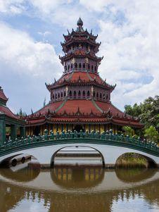 Free Chinese Red Pagoda Stock Image - 31451811