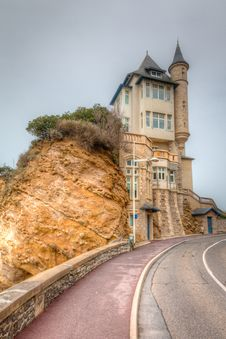 Hillside Castle With Tower Royalty Free Stock Photography